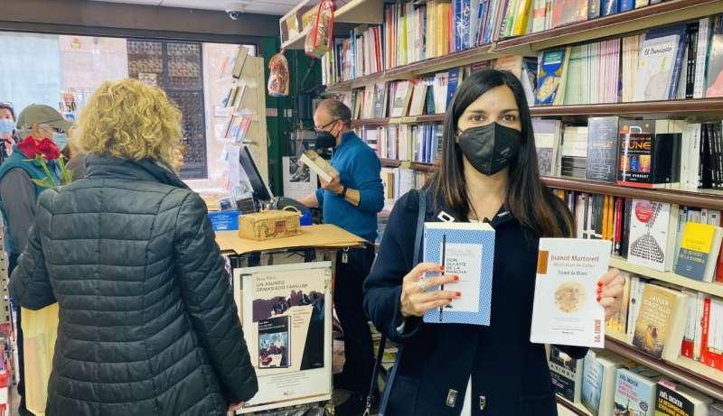 Miriam Turiel con dos joyas de la literatura española y valenciana