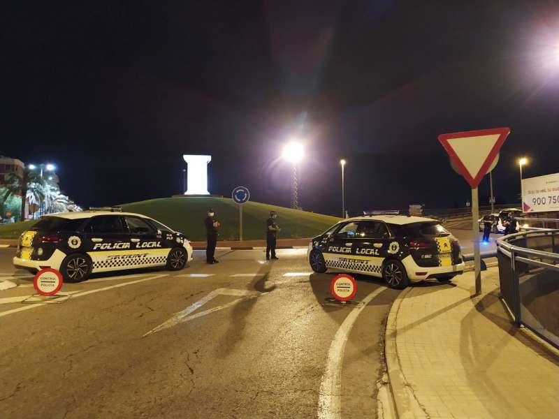Control nocturno de la Policía Local de Sagunt.