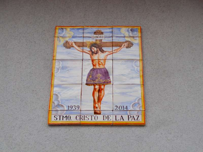 Azulejos que recuerdan la casa de donde salió la imagen del Stmo. Cristo de la Paz.