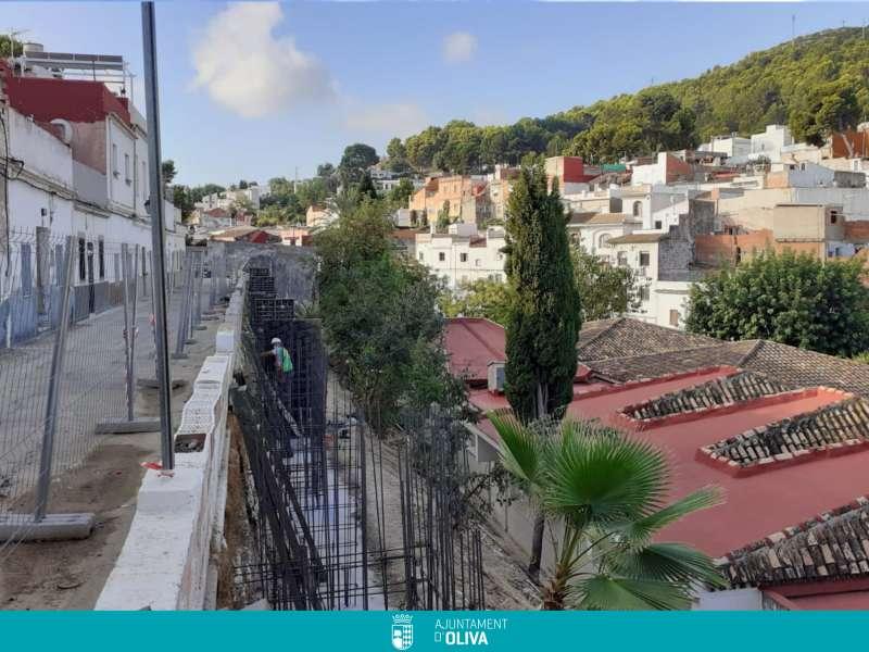 Reurbanització de l?entorn de l?Escoleta El Caragol en Oliva. EPDA