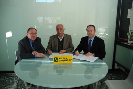Caixa Popular y el Ayuntamiento de Massanassa han firmado un convenio de colaboración. Foto: EPDA.