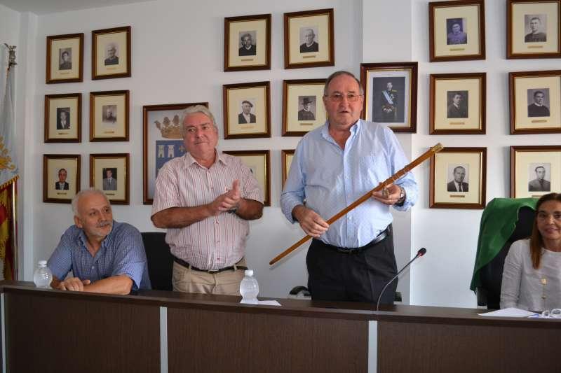 El candidato del PP de Torres Torres, Víctor Mateu, cuando fue nombrado alcalde a finales de esta legislatura. EPDA