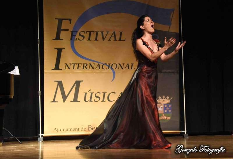 Una de las soprano en el Teatro Municipal de Benissanó. GONZALO FOTOGRAFÍA