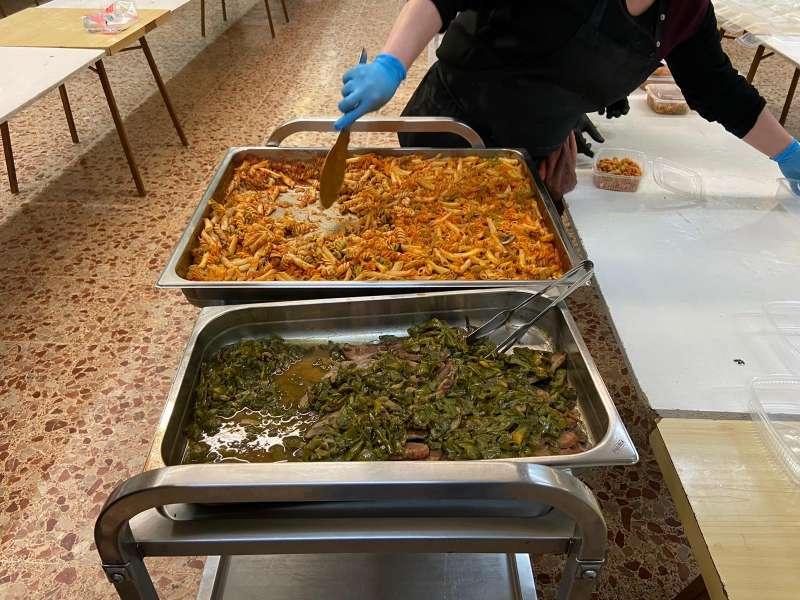 Raciones de comida que se reparten entre las familias más vulnerables. / EPDA
