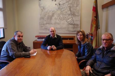 Reunión que ha tenido el alcalde de Xirivella con el presidente de la federación sindical del taxi dónde Xirivella. Foto: EPDA.