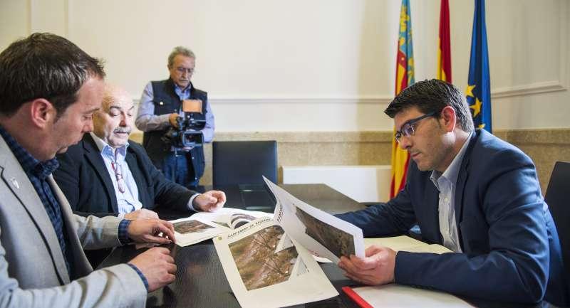 Reunión mantenida entre el alcalde de Nàquera, Damián Ibáñez, y el presidente de la Diputació, Jorge Rodríguez