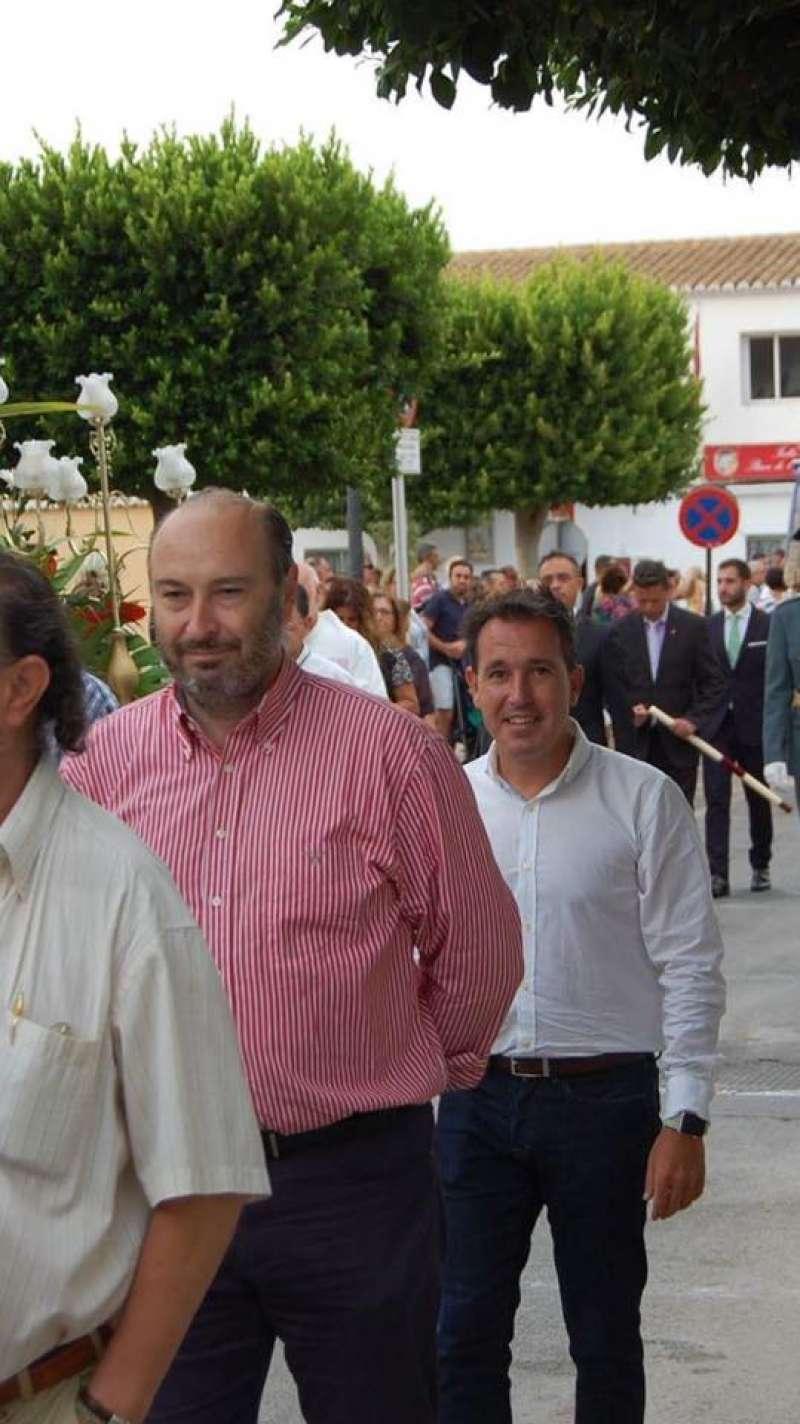 El Presidente del PP San Antonio de Benagéber J.Ramón Conejos  -izquierda- junto al Secretario General Angel Osuna -derecha-