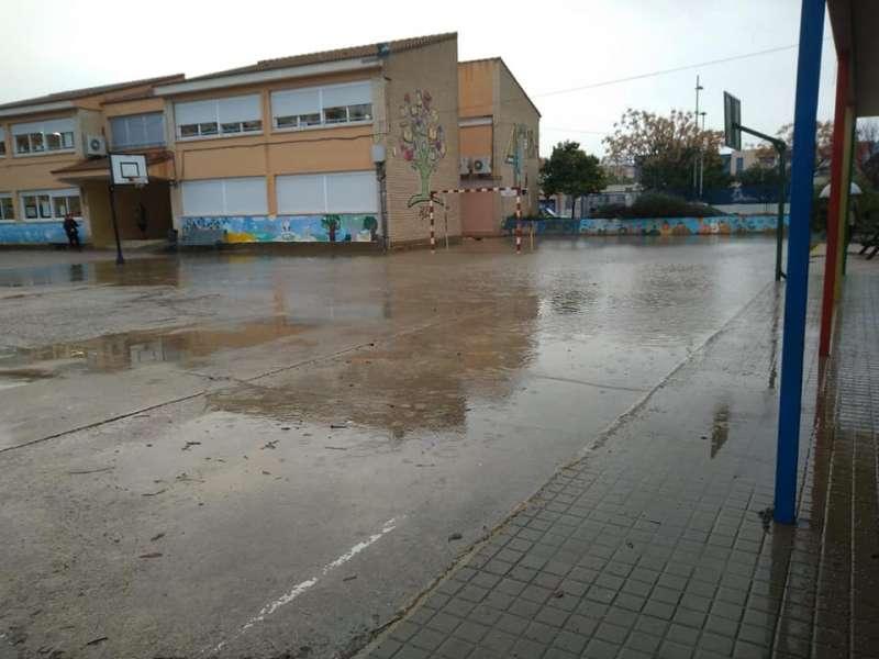 Estado del CEIP Orba de Alfafar en la jornada de ayer tras el paso del temporal. EPDA