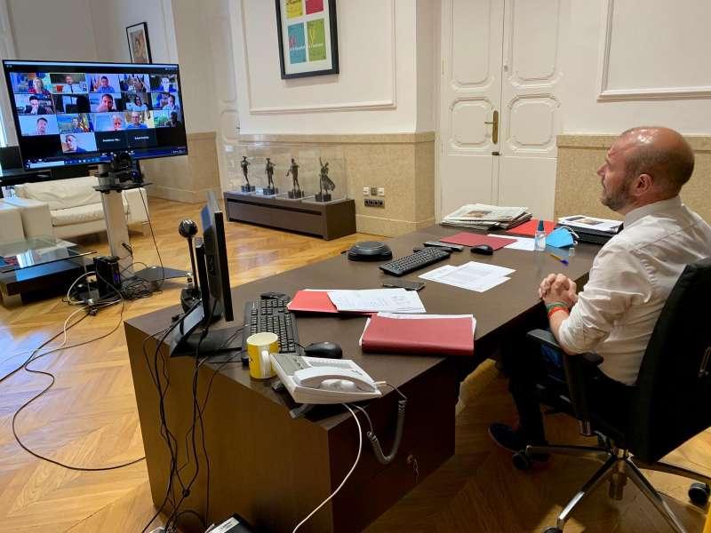 Gaspar en la reunió telemàtica amb els alcaldes i alcaldesses de la comarca. / EPDA