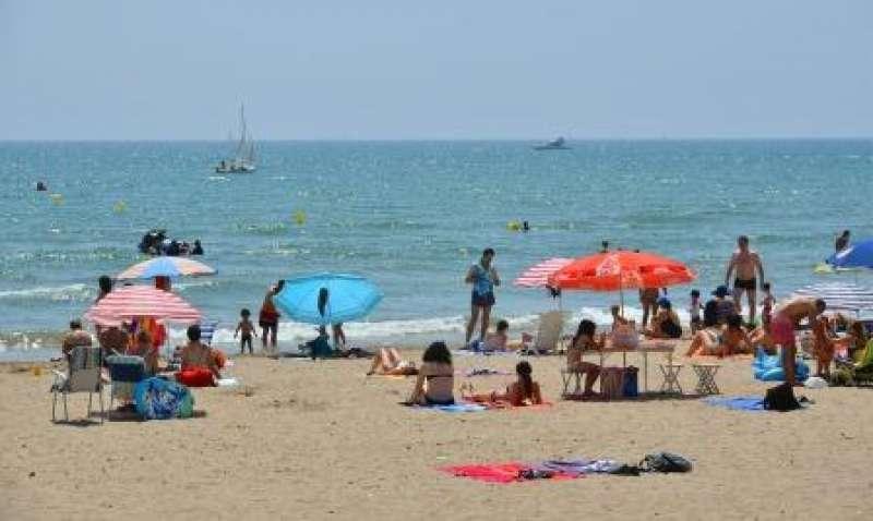Imagen de archivo de una playa de Alboraya. EPDA