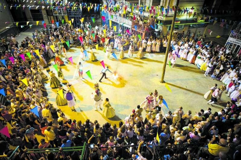 Ball de Plaça de les últimes festes patronals del municipi de Canet d?En Berenguer. EPDA
