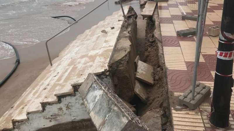 Daños en el paseo causados por el temporal Gloria. EPDA