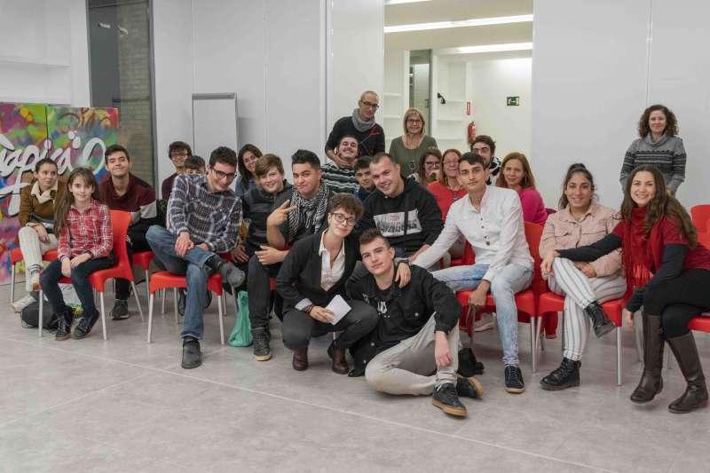 Els i les joves participants en l acte de cloenda del programa JOOP. -EPDA