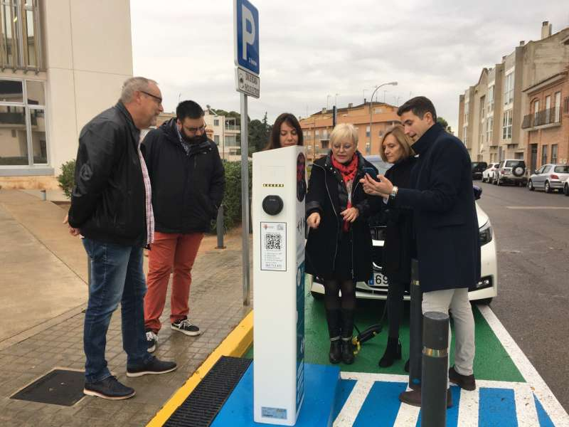 Punto de recarga para vehículos eléctricos en Bétera. / EPDA