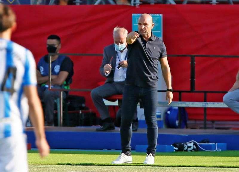 El entrenador del Levante, Paco L�pez, reacciona durante el encuentro de Liga Santander entre la UD Levante y la Real Sociedad. EFE / Archivo