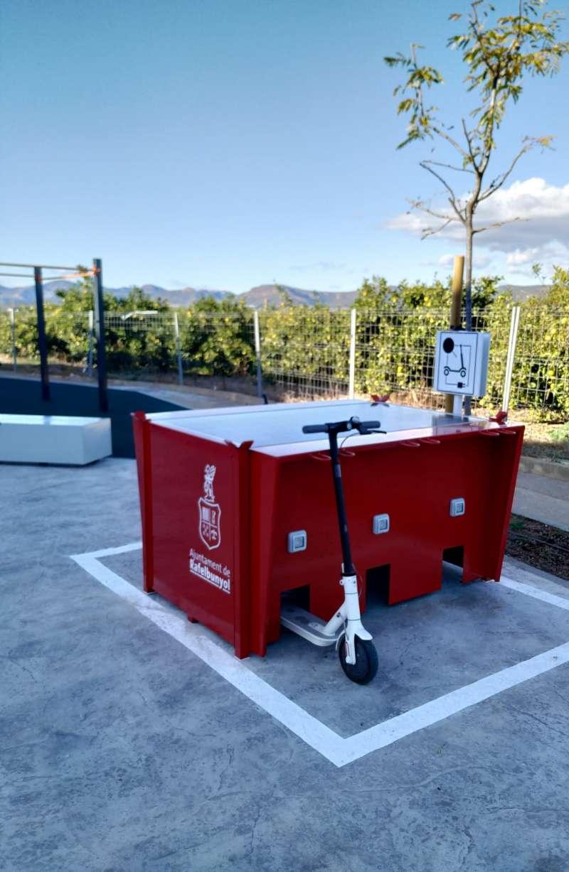 ?SunnerBOX?, els punts de recàrrega de bicicletes i patinets elèctrics.  EPDA