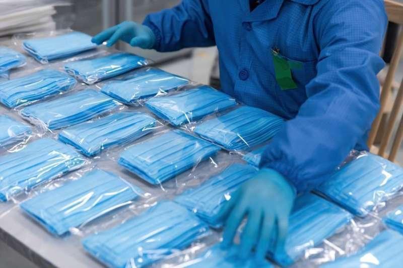 La mascarilla es esencial para combatir el virus. / EPDA
