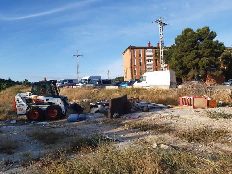 Detalle de los residuos en un vertedero incontrolado. / EPDA
