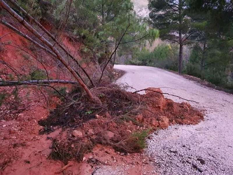 Camino de Chera afectado por las lluvias