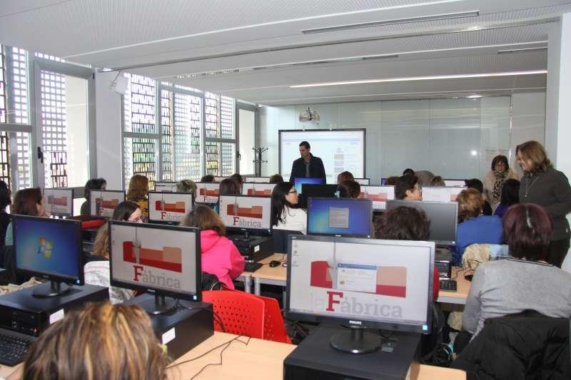 Taller de informática para mujeres. EPDA