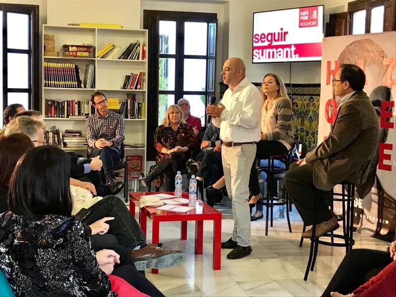 Jiménez abre el acto en Rocafort. EPDA