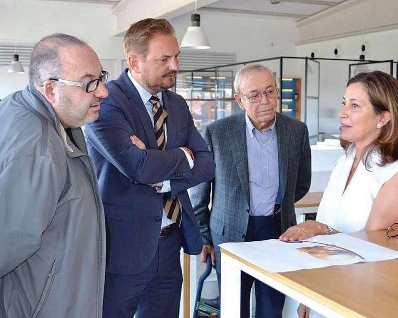 Alcalde de Silla visitant empreses locals. EPDA