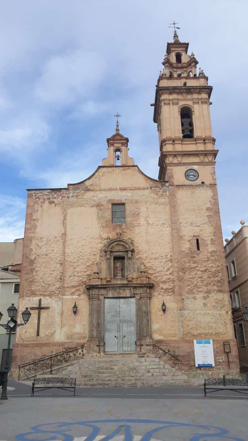 La iglesia antes de la restauración. B. B.