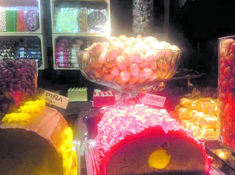 Detalle de algunas de las dulces delicias que se pueden degustar y adquirir en la Feria del Dulce. / EPDA