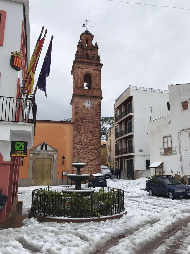 Plaza del Ayuntamiento de Gátova.//EPDA