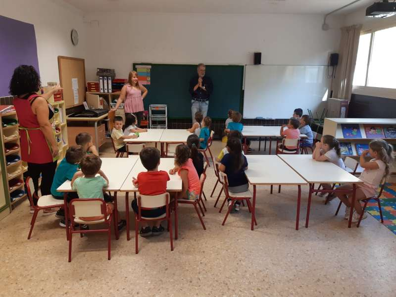 Visita del alcalde a un centro escolar. EPDA