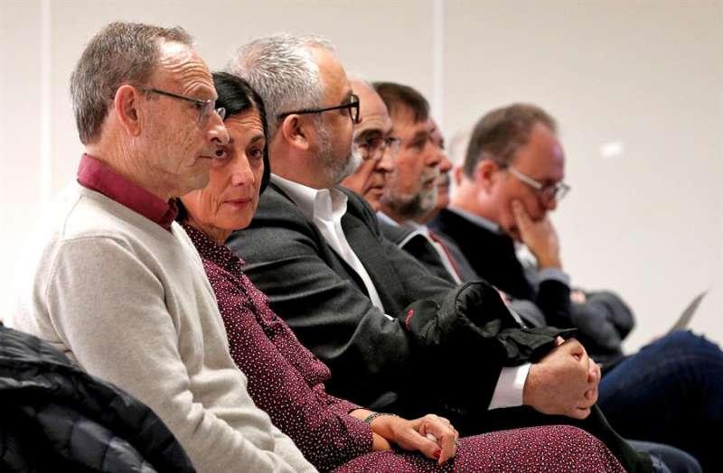 Los acusados en el banquillo. EFE/Manuel Bruque