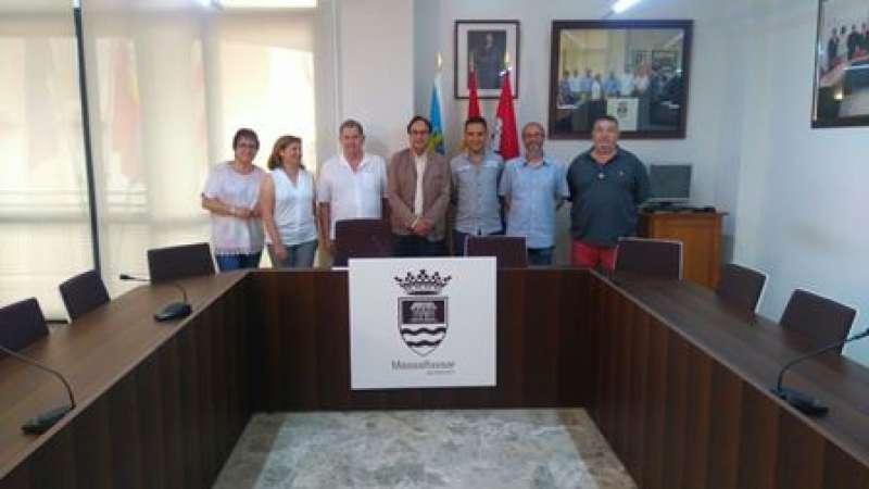 El conseller amb els càrrecs polítics de Massalfassar. EPDA