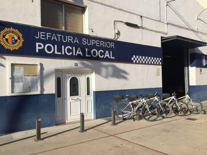 Retén de la Policía Local de Riba-roja. / EPDA