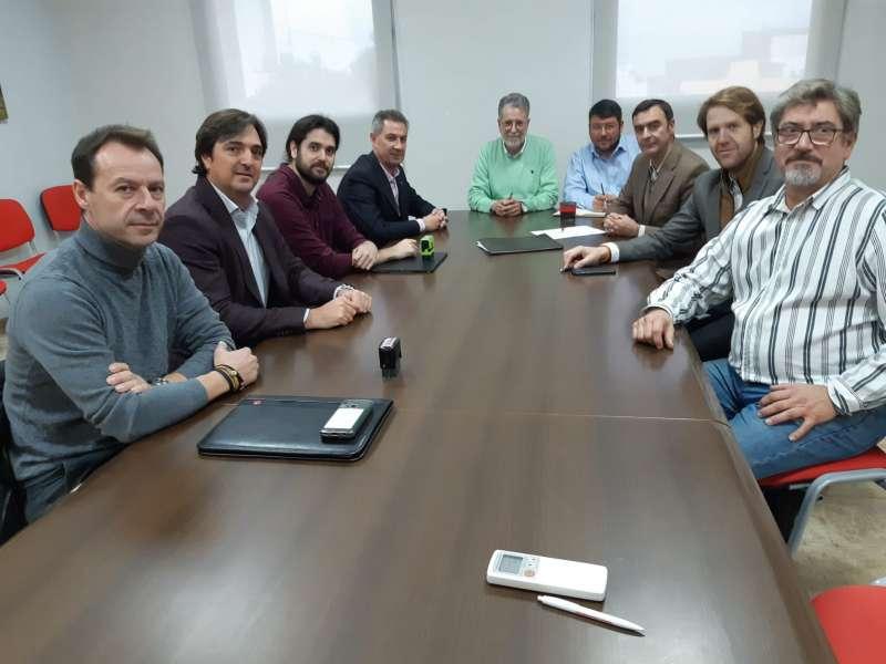 Firma del proyecto ferroviario. EPDA