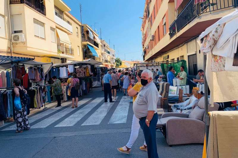 Mascarillas en el mercado de Alberic