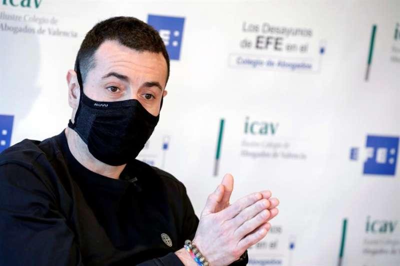 GRAFCVA481. VALENCIA, 17/12/2020.-El chef valenciano Ricard Camarena ha calificado la Estrella Verde concedida por la última edición de la Guía Michelin de