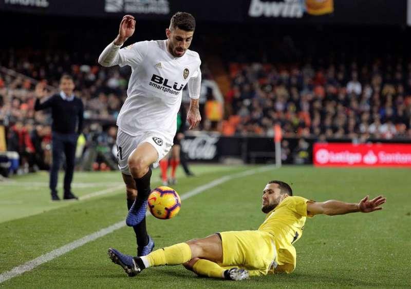El defensa italiano del Valencia Cristiano Piccini en el estadio de Mestalla. EFE/Archivo