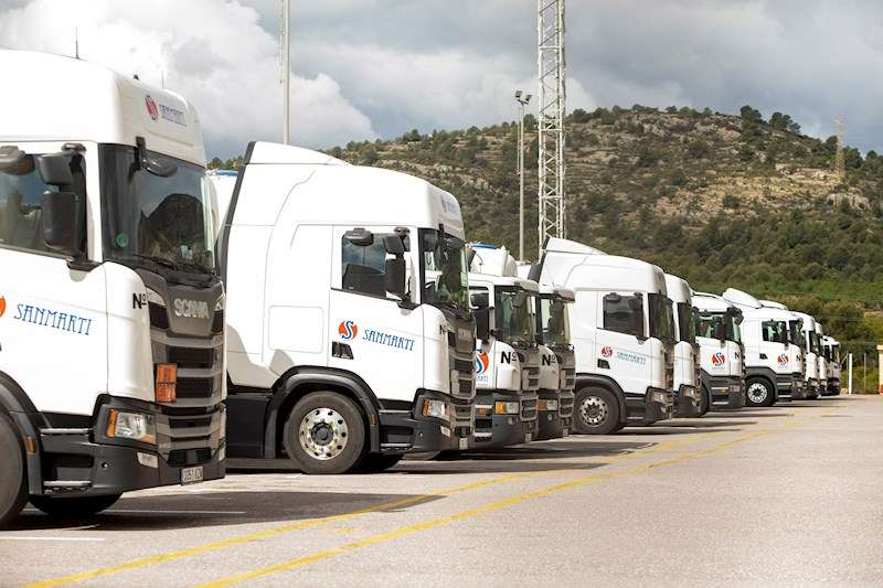 En la imagen camiones de una de la más importantes empresas de transporte de Castellón en el párking de la empresa. EFE