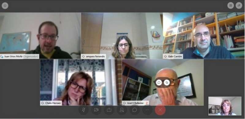 Reunión entre el personal técnico y los responsables de E-Formación. / EPDA