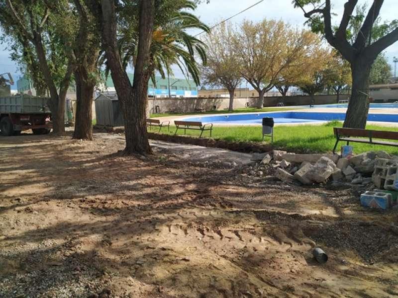 Ampliación del césped de las piscinas de Foios. EPDA