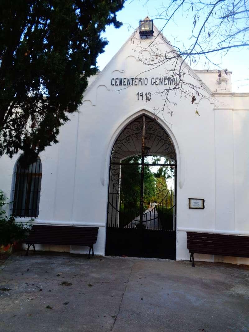 Fachada Cemeterio entrada. Archivo JSMS