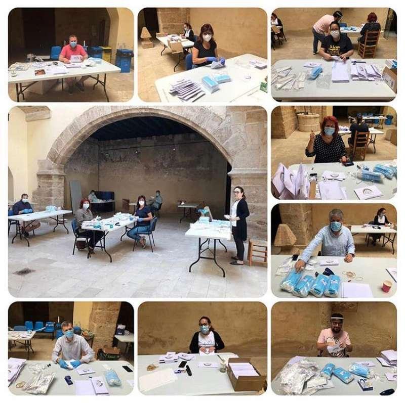 Preparación de las mascarillas en Albalat dels Sorells. EPDA