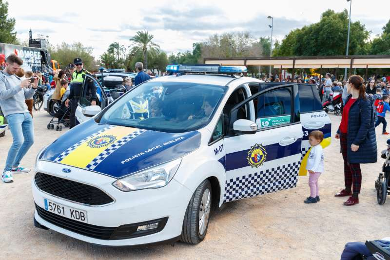 Conocer el funcionamiento de vehículos policiales fue una de las actividades de esta jornada.EPDA
