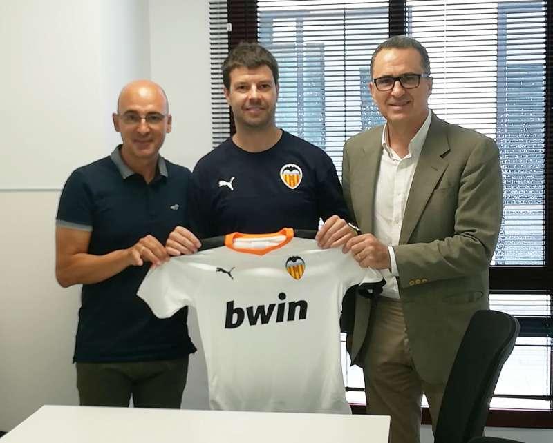 La escuela de fútbol del C.D. Caxton College ha alcanzado un acuerdo de colaboración con el Valencia Club de Fútbol. EPDA