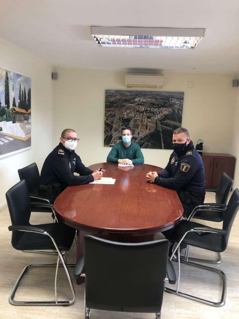 Reunión del alcalde con la policía local. / EPDA