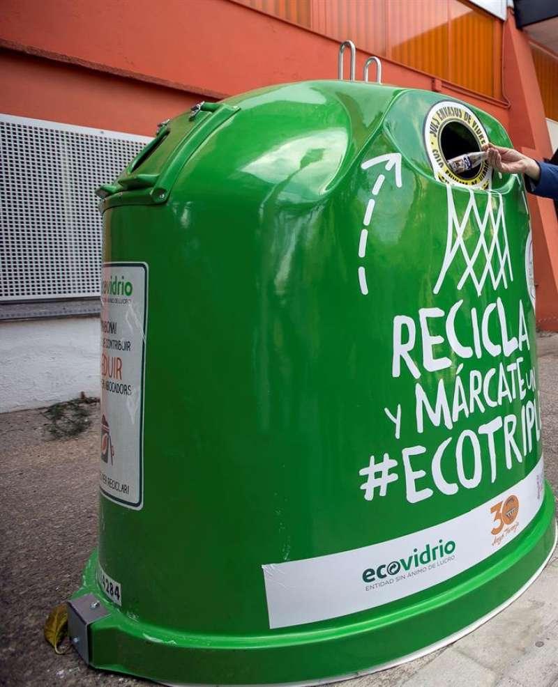 Contenedor de reciclaje. EFE