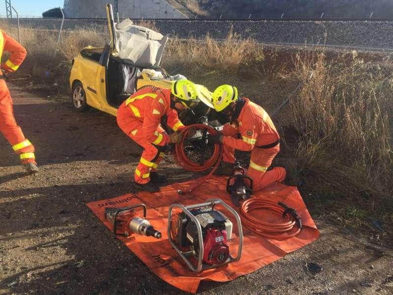Un hombre muere en un accidente de coche en la pista de Silla